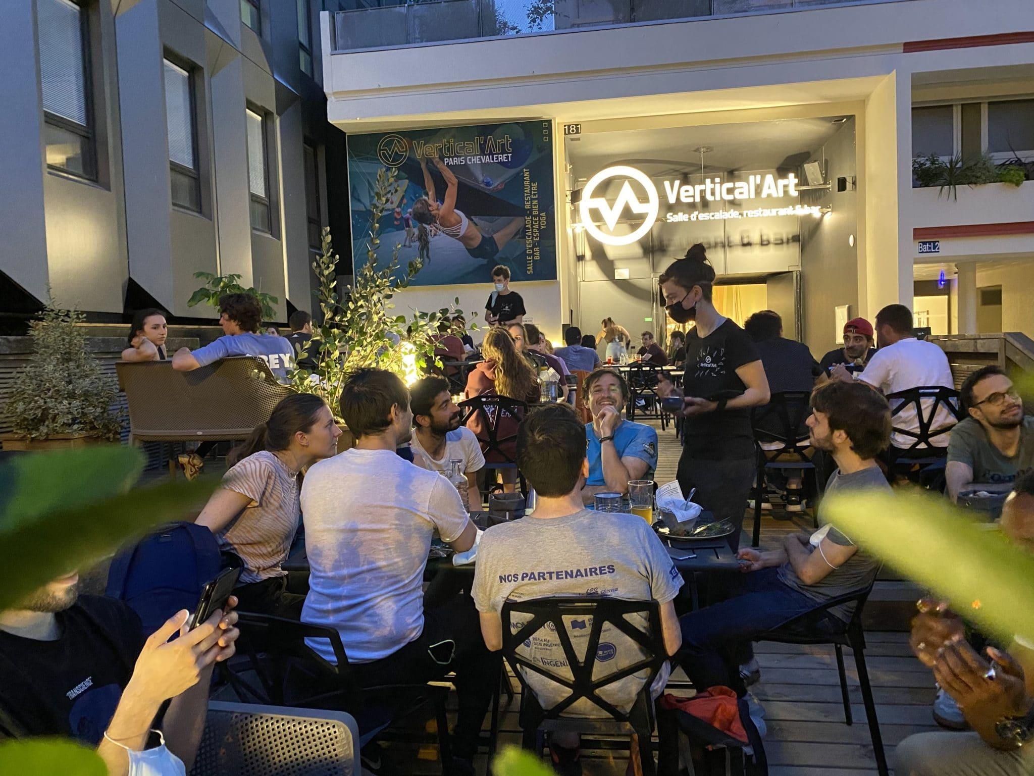 Terrasse restaurant bar Vertical'Art Paris Chevaleret - Salle d'escalade, ambiance néo-urbaine